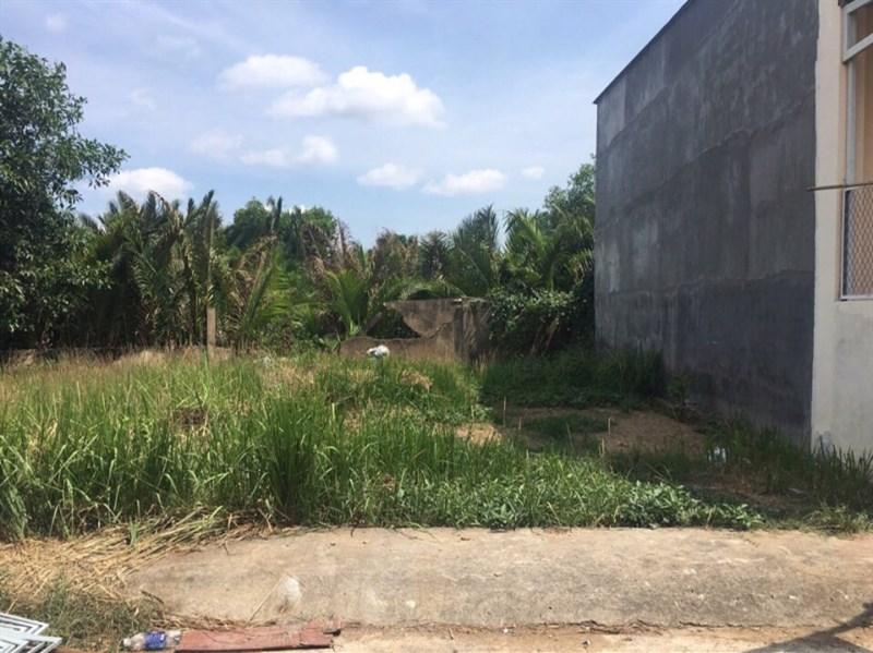 Bán lô đất 631m2 mặt tiền đường Hà Huy Giáp, Giá chỉ 2,25 tỷ LH 0934733475