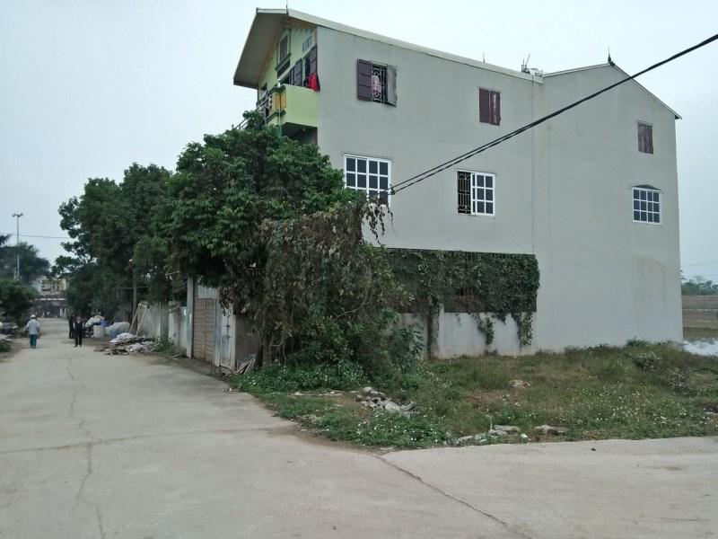 BÁN 200m2 đất ,cạnh đại lộ thăng long ,đep nhất xã ngọc liệp.làm nhà hàng, nhà nghỉ giá 14tr/ m2