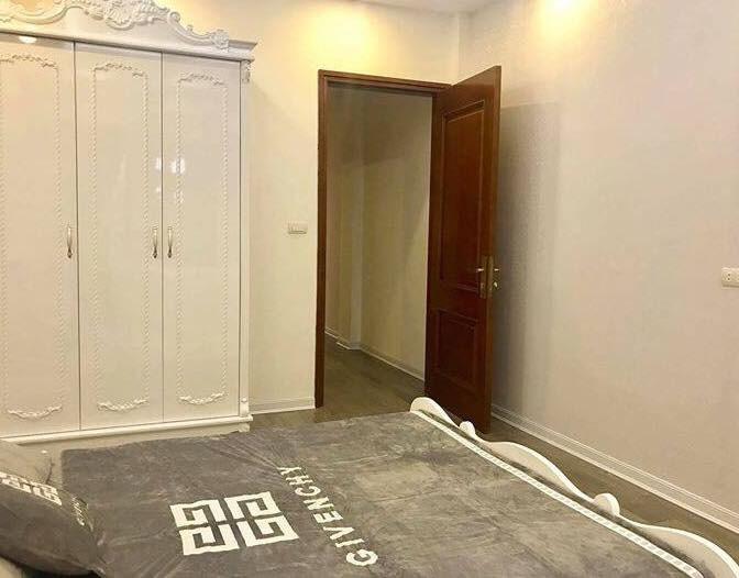 Bán GẤP nhà lô góc phố Tân Mai, 50m2- 5tầng, , mặt tiền cực rộng,  Ôtô đi lại. Giá 4.95 tỷ