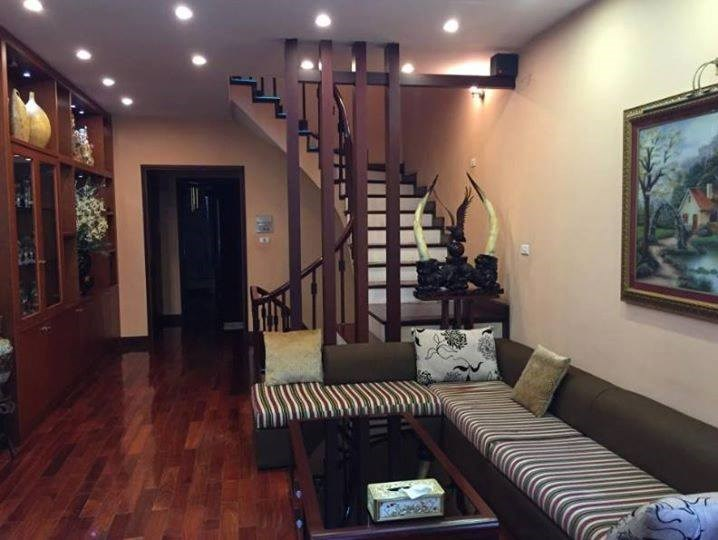 Bán nhà đẹp 5 tầng, nở hậu, đường ô tô phố Định Công giá 3.5 tỷ