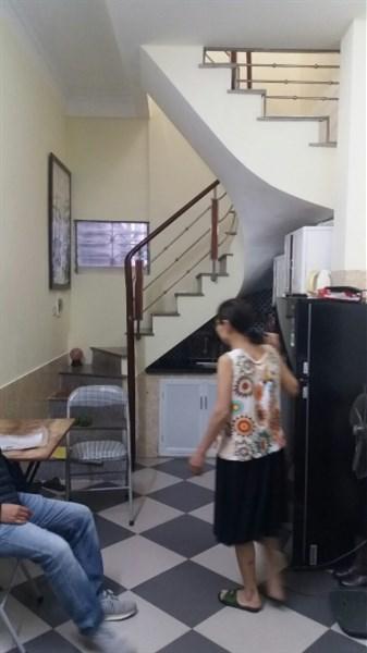 Bán nhà mặt ngõ 90 Thanh Nhàn thông sang ngõ Bạch Mai ô tô qua nhà.25m2.4 tầng.Gía 1.8 tỷ
