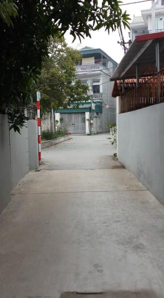 Bán đất Mặt đường Đông Dư xóm 3, 45m2, MT 5m, giá 25Tr/m2.