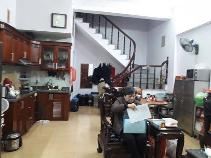 Gấp Gấp Bán Nhà Nguyễn Văn Cừ, DT 45m2, 4 Tầng, Giá 4.5 Tỷ