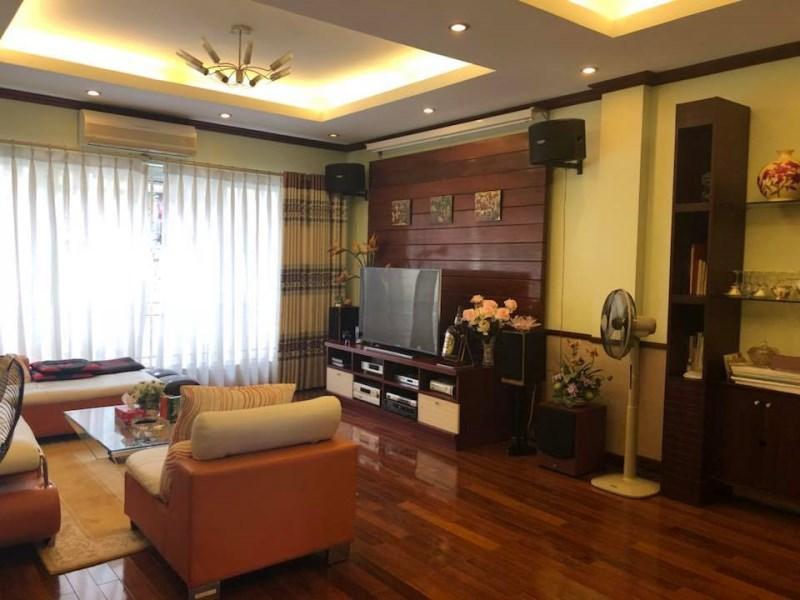 Nhà mặt Phố Yên Lãng,quận Đống Đa,kinh doanh sầm uất,vỉa hè rộng,giá 28.5 tỷ,mặt tiền gần 7m