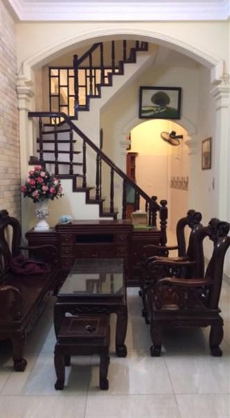 Bán gấp nhà đẹp, chắc chắn phố Hào Nam 38m, 4 tầng. Giá 3.2 tỷ.