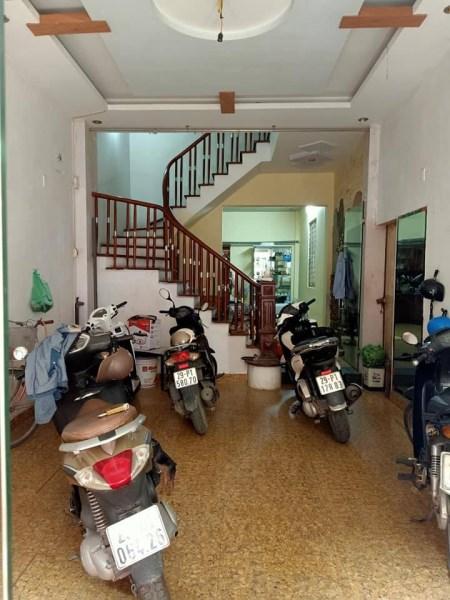 Bán nhà phân lô Quân đội phố Lê Trọng Tấn, ô tô đỗ cửa giá 5.6 tỷ.