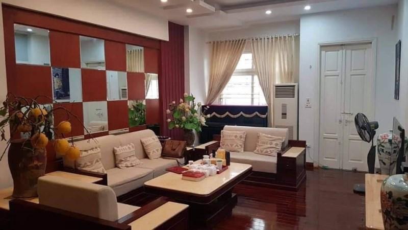 Bán gấp nhà riêng, ô tô đỗ gần, 30m2 phố Hoàng Hoa Thám giá 3,25 tỷ.