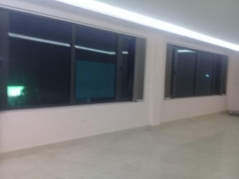 Cho thuê mặt bằng văn phòng đường Nguyễn Văn Cừ, Long Biên, HN (270m2 - 340m2)