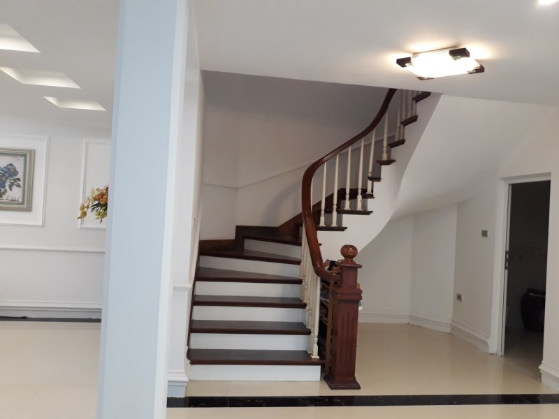 Cho thuê biệt thự Dương Nội Nam Cường đã hoàn thiện làm Văn Phòng 30tr/tháng LH: 0983477936