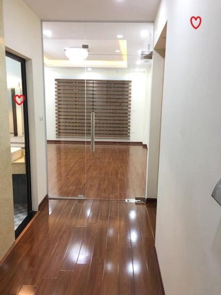 Cho thuê nhà phố Lê Văn Lương KD sầm uất, dt 66m2×3 tầng, mt 5.5m