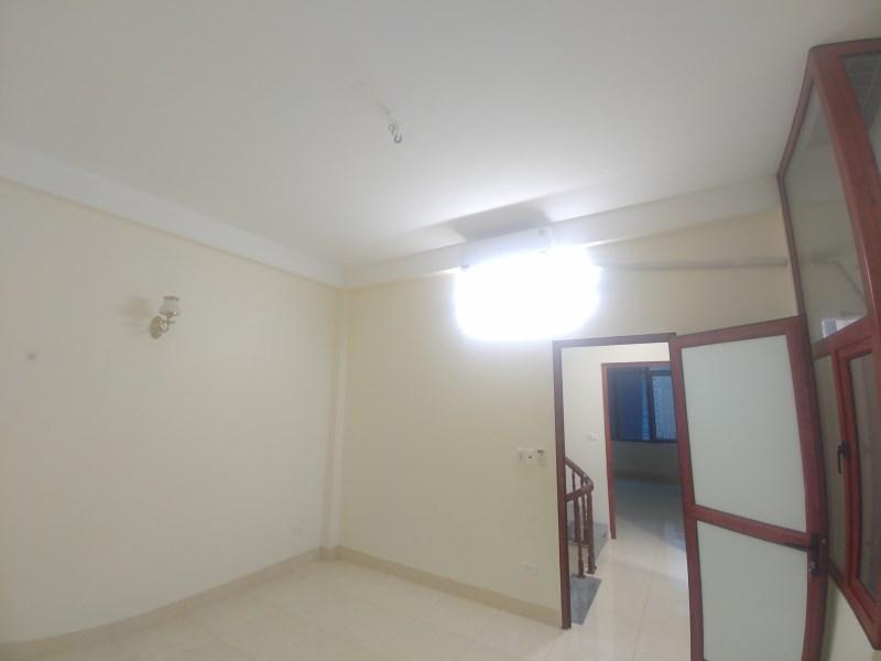Cho thuê nhà Văn Phú mới nguyên 5 tầng 13.5tr