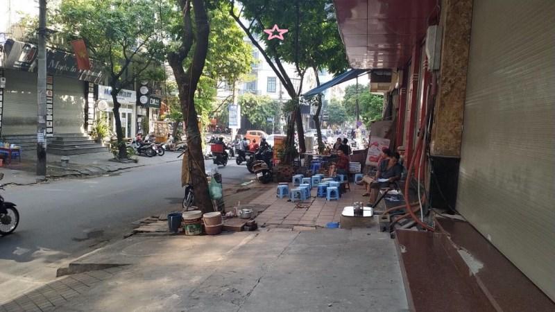 Cho thuê nhà kd phố Lạc Long Quân, dt 65m2x3 tầng,mt 6