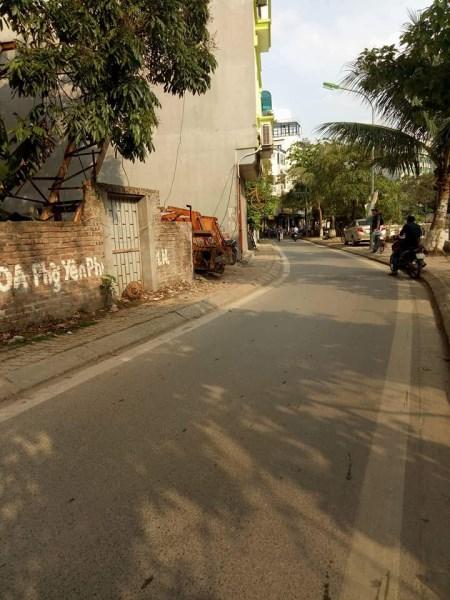 Bán đất lô góc mặt phố Yên Hoa, Tây Hồ, 75m2 mặt tiền 7,5m, giá 17 tỷ
