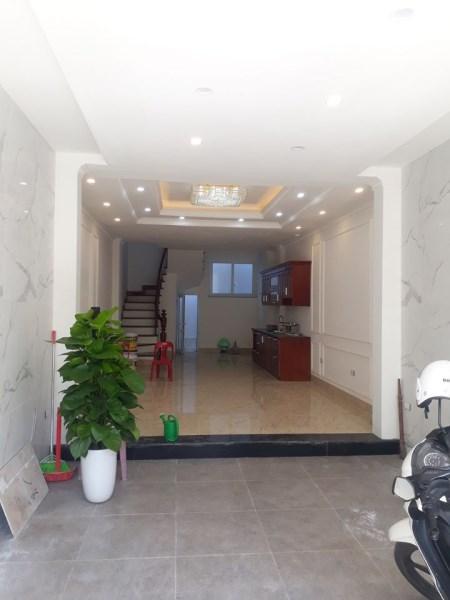 Cần bán nhà giá rẻ  phố Thượng Thanh kinh doanh được 63.6m2 giá 5.95 tỷ