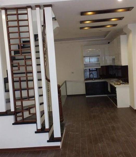 Bán nhà Phan Văn Trường, Cầu Giấy*_ 44m2 -5 tầng-* 3.5 Tỷ _*Ôtô, Nhà mới Ở ngay