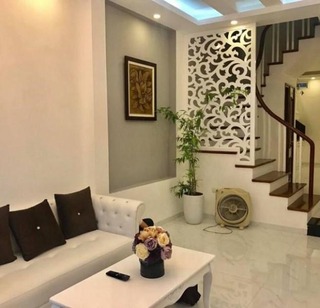 Bán nhà cực đẹp,Kinh doanh, phố Trần Quốc Hoàn, Cầu Giấy- 5 TẦNG_ 58m2 - 5.2 tỷ