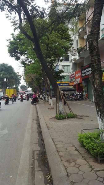 Cho thuê nhà mặt phố Kim Đồng 70m2, kinh doanh thuận lợi.