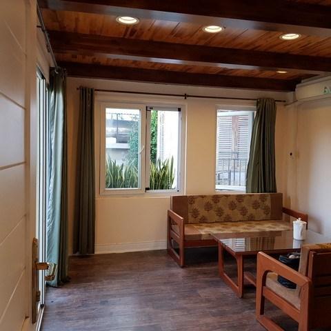 Căn nhà 6 ngủ, ngõ phố Thụy Khuê đi bộ ra Hồ Tây giá bán rất hợp lý, nhà đẹp, khu văn minh