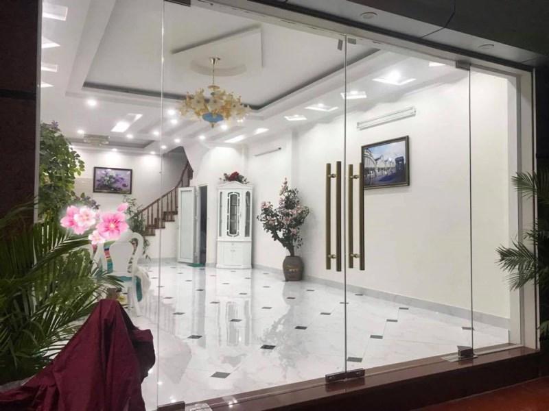Bán nhà Phố Trương Định,66m, 5m ra mặt phố, ô tô vào nhà, 4 ngủ, giá giật mình