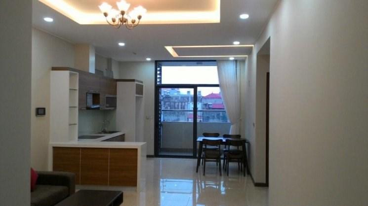 Bán chung cư Tràng An Complex, tầng 15, CT2, DT: 77m2, giá 3,3 tỷ. Lh 0946 366 127.