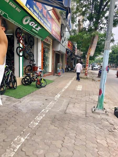 Bán gấp nhà 10 tầng mặt phố Lạc Long Quân – Tây Hồ, Hà Nội, nhà đẹp long lanh, giá bán : 37 Tỷ