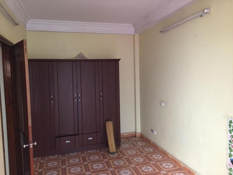 Cho Thuê Nhà Khu Phân Lô Trần Quốc Hoàn 35m2 x 3,5T ( lô góc )