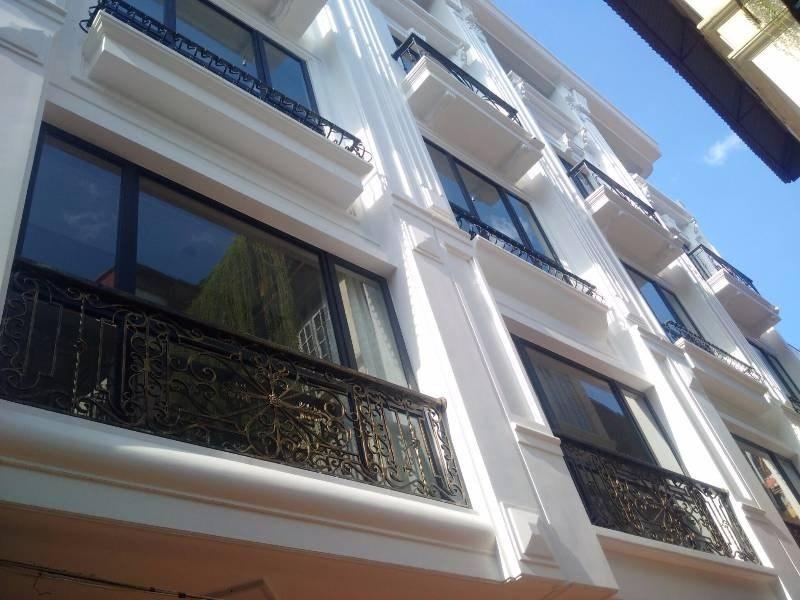 Bán nhà 5 Tầng khu ngoại giao Đội Cấn – gần nhà khách La Thành giá 3,2 tỷ (mTG)