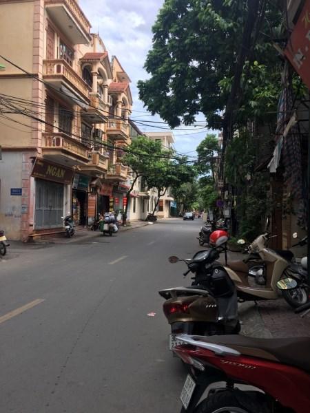 Bán nhà mặt phố Hoàng Sâm, kinh doanh tốt, giá 11.5 tỷ