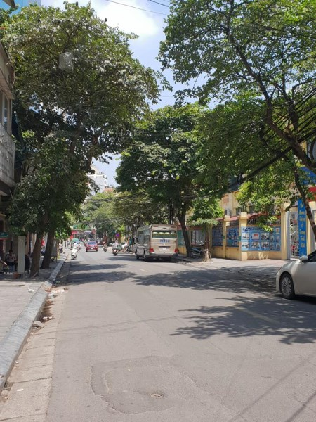 Bán nhà mặt phố Nguyễn Trường Tộ và Yên Ninh