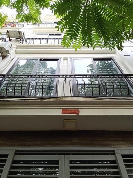 Bán nhà đẹp, mới xây, kinh doanh nhỏ ở ngõ 192 Lê Trọng Tấn.