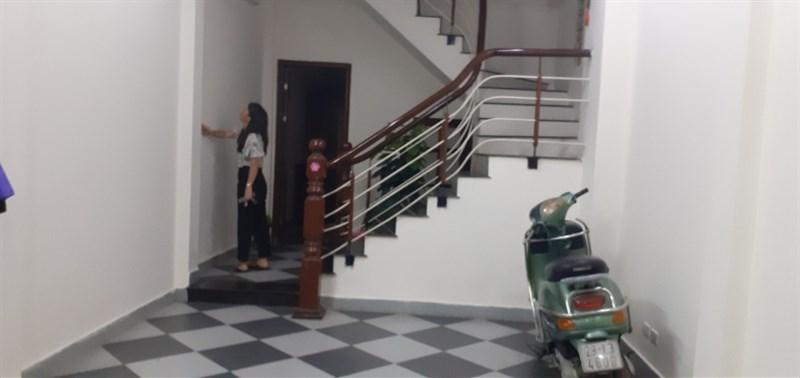 Cho thuê nhà nguyên căn 5 tầng phố Ngọc Lâm, Long Biên - kinh doanh thuận lợi