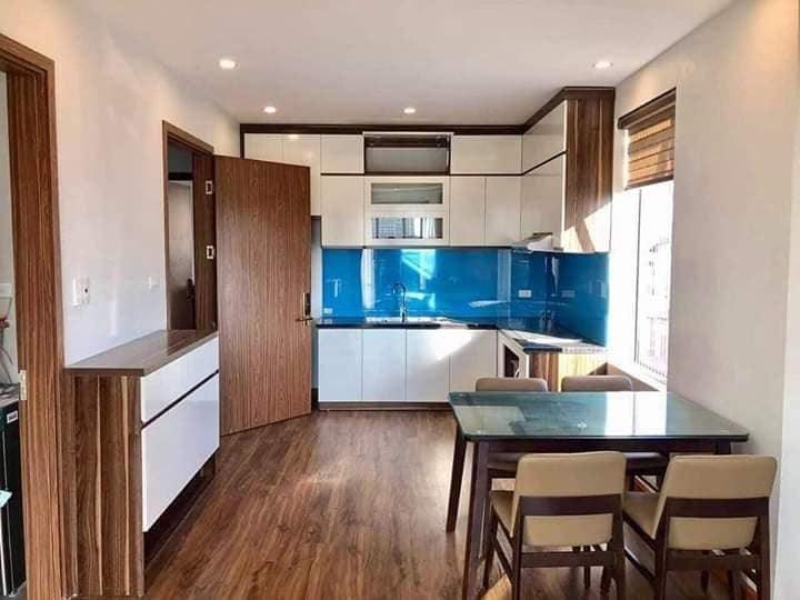 Cần bán nhà còn mới 5 tầng, mặt ngõ gần mặt phố, mặt tiền 6m phố Nguyễn Khang, giá 6.6 tỷ.