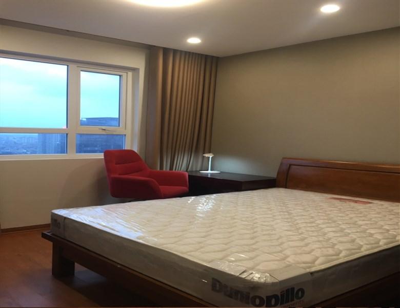 Chủ nhà bán gấp CC 60 Hoàng Quốc Việt, tầng 2114, DT 134m2 căn góc view đẹp, 29tr/m2