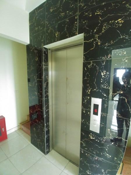 Cho thuê nhà 6 tầng 50m2 có thang máy 2 mặt tiền Lê Trọng Tấn Hà Đông rất đẹp chỉ 25tr LH 0983477936