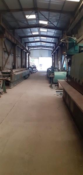 Cho thuê kho xưởng mặt đường Ngô Gia Tự, Long Biên, xưởng 370m2, VP 130m2.