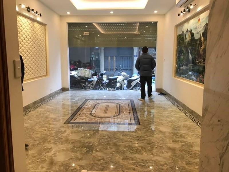 Mặt ngõ Oto tránh KD Văn Phòng MT 4.6m Văn Cao, Liễu Giai Ba Đình giá 12.4 tỷ