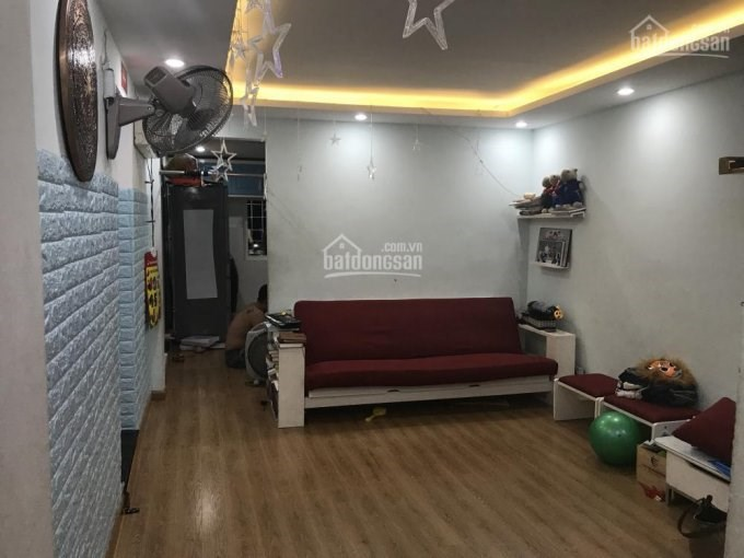 Chính chủ gia đình cần bán căn hộ tập thể tầng 2 khu D Bắc Thành Công, Quận Ba Đình.