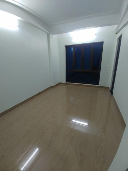 Cho thuê nhà 5 tầng Văn Phú mới, MT 5m ô tô đỗ cửa giá 13tr/tháng. LH: 0983477936