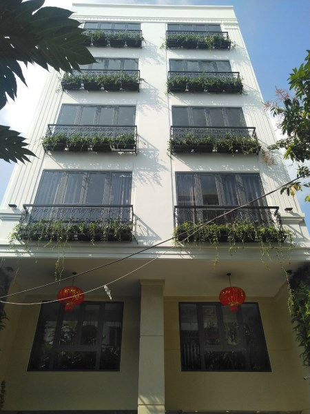 Cho thuê tòa nhà 7 tầng căn hộ full nội thất cao cấp, tại kp Tây An Thượng. Lh:0935484786