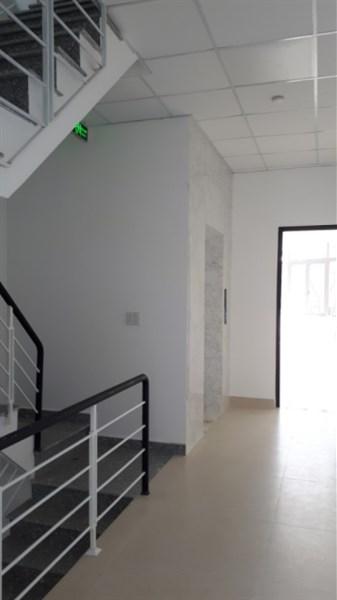 Cho thuê văn phòng 4 tầng Nguyễn Hữu Thọ, Đà Nẵng giá 40 tr/ tháng có thương lg