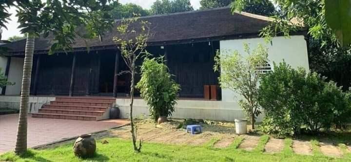 Nhà gỗ lim kiểu Huế độc nhất ven khu công nghệ cao Hòa Lạc