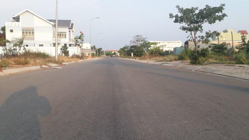 Ngân hàng hỗ trợ thanh lí 15 nền đất trong khu dân cư hiện hữu đường Võ Văn Vân