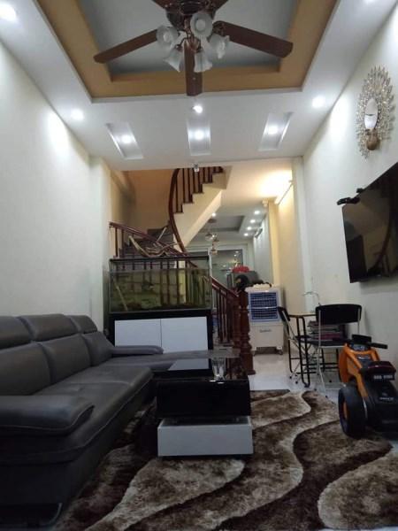 Bán nhà đẹp cách MP Vũ Tông Phan 10m, DT 40m2, Giá 3.6 tỷ.