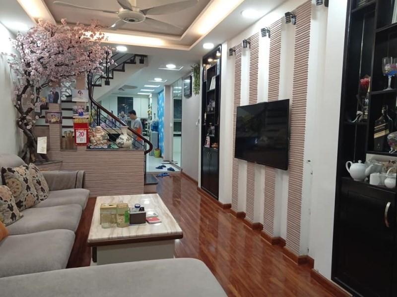 Bán nhà đẹp 40m2 đường Nguyễn Trãi ,2 mặt thoáng, nội thất sang trọng, hiện đại. Giá 3,25 tỷ.