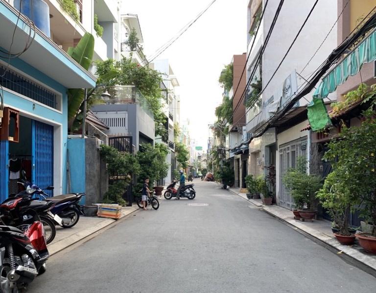 Nhà HXH Quận Tân Phú 4x18m giá chỉ 4,55 tỷ