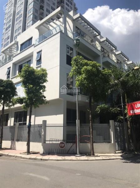 Tìm đâu nhà mặt phố nội thành Hà Nội,106tr/m2, giữa 3 khu đô thị mới.