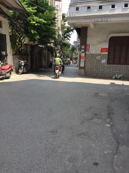 Nhà biệt thự sân vườn Ngõ 82 Nguyễn Phúc Lai, Đống Đa, Hà Nội