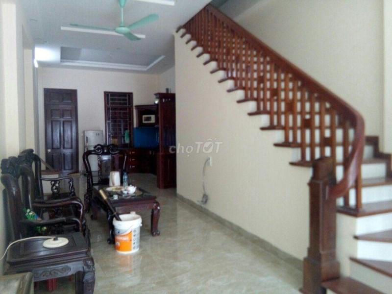 Cho thuê nhà khu đô thị Mậu Lương Kiến Hưng 4 tầng ô tô đỗ cửa 10tr. LH 0983477936