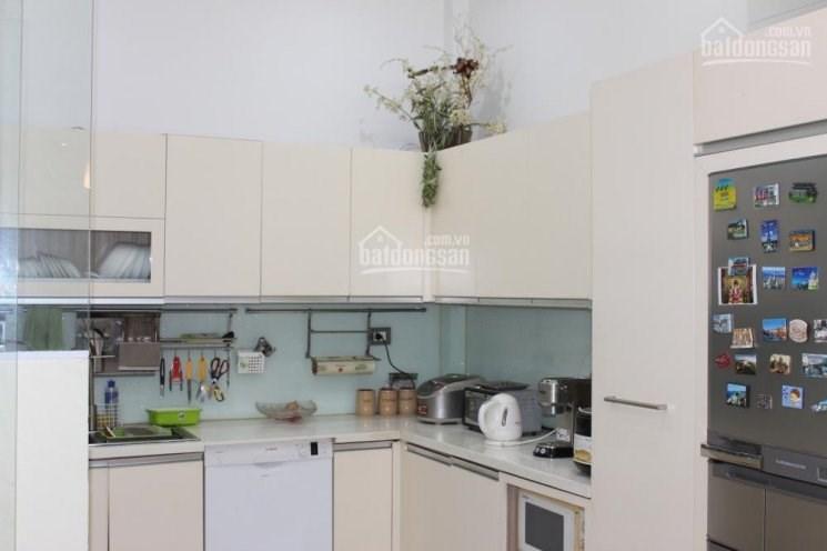 Cần cho thuê gấp tầng 2,3 nhà mặt phố  số 56 Mã Mây, Hoàn Kiếm, HN