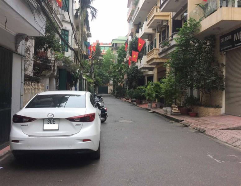 Bán nhà chính chủ phân lô, ô tô tải đỗ cửa Phố Lê Trọng Tấn, DT 42m2, 4 tầng, 4.85 tỷ